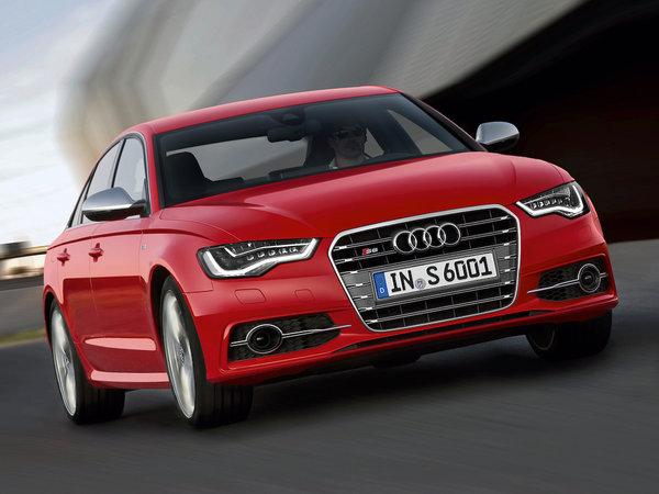 Audi представила спортивные S6, S7 и S8