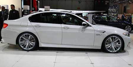 Новый BMW M5 покажут в Женеве