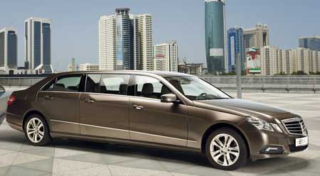 Mercedes E-класса: на метр длиннее, на две двери больше