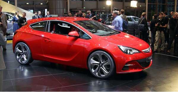 Opel Astra GTC – сексуальная новинка Парижа