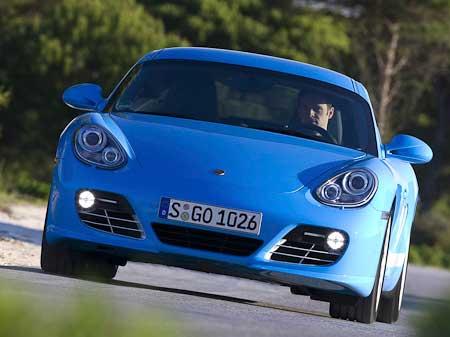 Porsche Cayman увеличивает скорость
