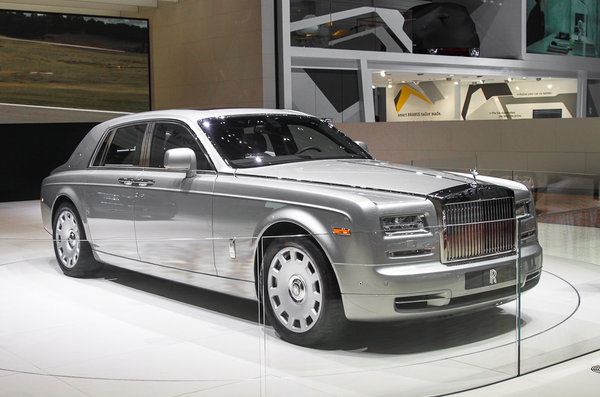 Памятник себе: Rolls-Royce обновил Phantom