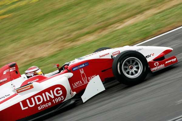 В Чехии стартует седьмой этап Формулы-2