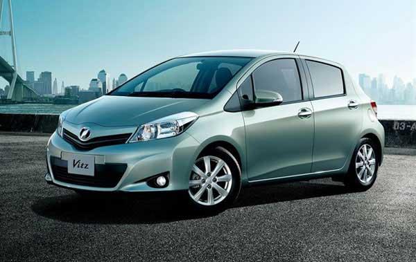 Toyota показала новый Yaris